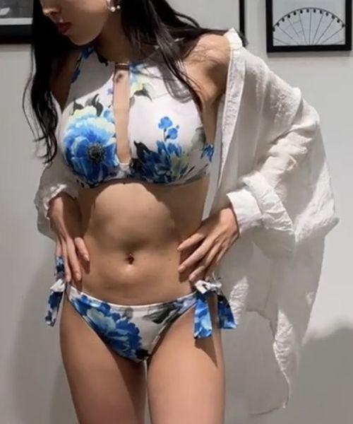 Dahlia ハイネックビキニ